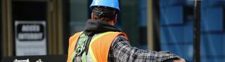 photo : life of pix free stock photos - montreal city construction man leeroy
